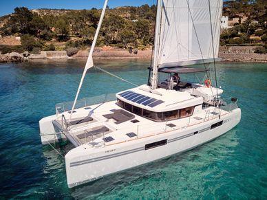 Catamaran-Lagoon-52-Ibiza Flow-exterior