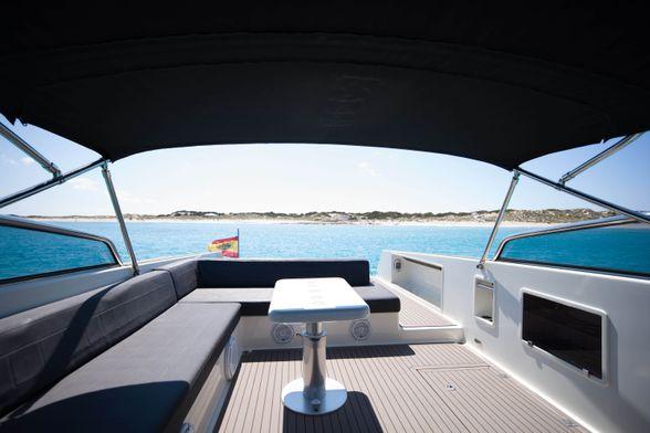 40-VAN-DUTCH-Ibiza-Rent-Modern-Boat