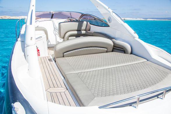 Sunseeker-40-Boat-Ibiza-solarium-popa