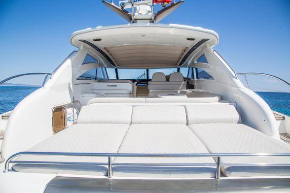 Princess-V58-Ibiza-Boat-Solarium-popa