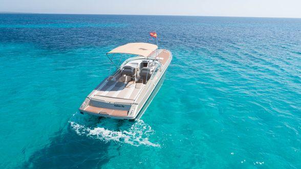 Formula-38-Boat-Ibiza-popa