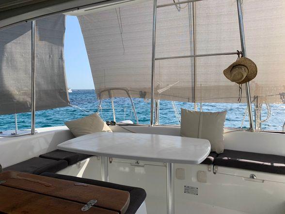 Lagoon-380-Ibiza-stern-terrace