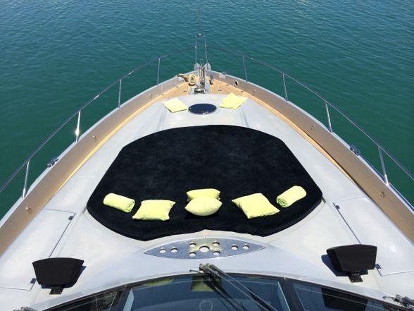 Predator-82-Yacht-Ibiza-Proa