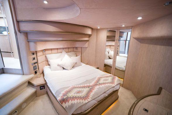 Predator-75-Yacht-Ibiza-Double-room-2