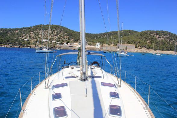 Sailboat-Bavaria-50-Ibiza-Sunbeds