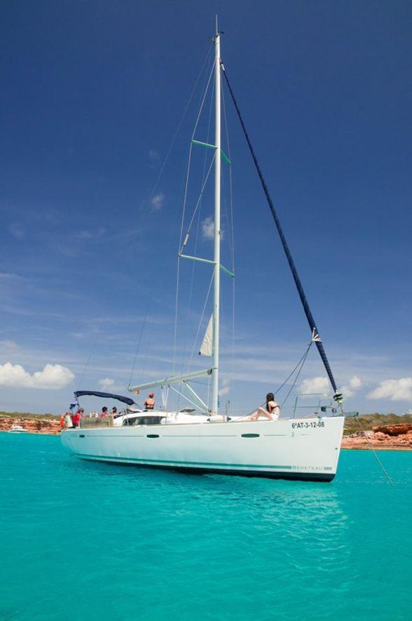 Sailboat-Oceanis-43-Ibiza (3)