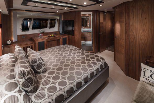 Predator-74-Yacht-Ibiza-room