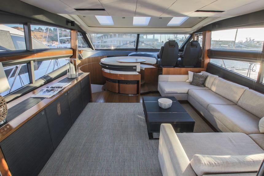 Princess-V72-Yacht-Ibiza-Living-room