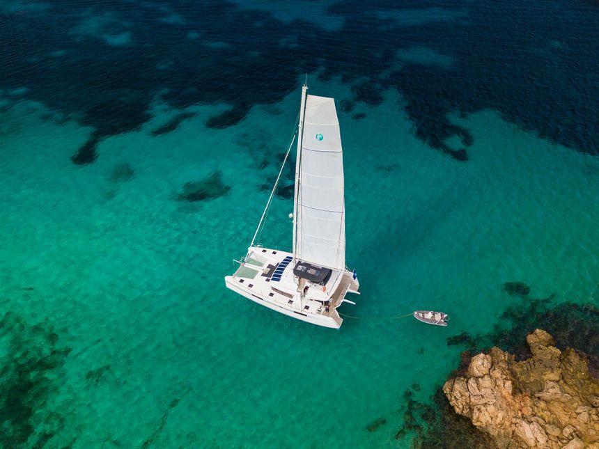 Catamaran-Lagoon-52-Ibiza-secret-place-02