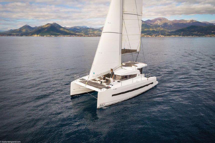 Catamaran-Bali-40-exterior