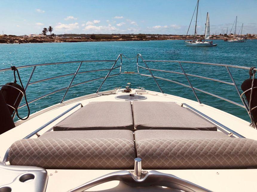 Cranchi-47-Yacht-Ibiza-Solarium-proa
