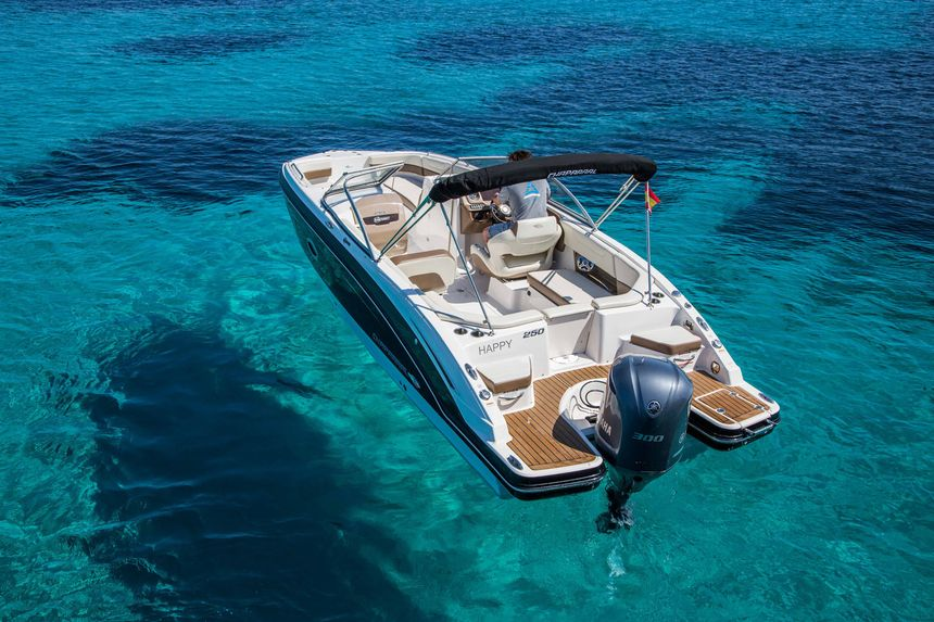 Chaparral-250-Boat-Ibiza-Back