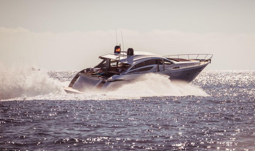 Pershing-72-Yate-Ibiza