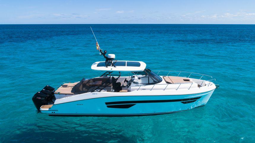 ORYX-Boat-Ibiza-exterior