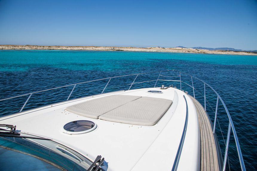 Princess-V58-Ibiza-Boat-popa