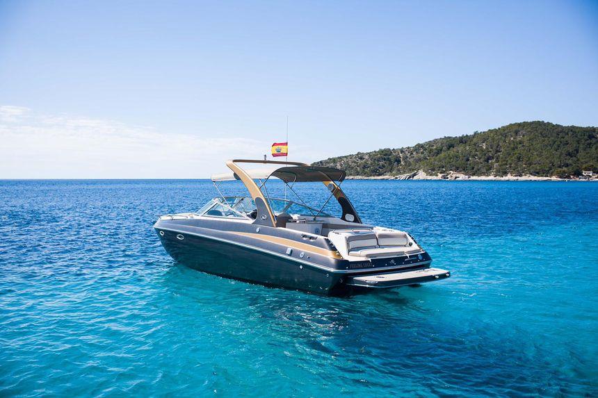 Rinker-Boat-Ibiza-Exterior