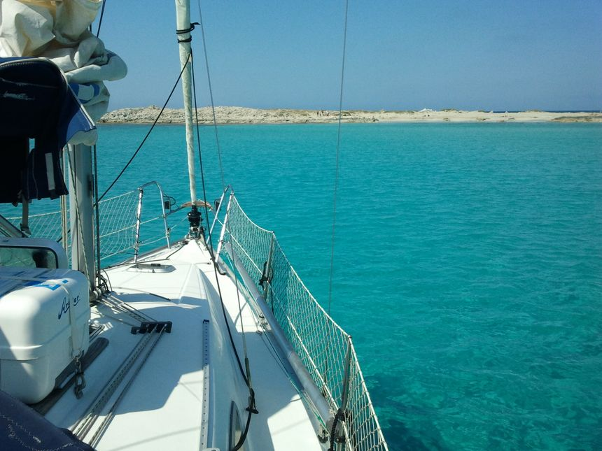 Sailboat-Jeanneau-sun-odyssey-29-Ibiza-proa