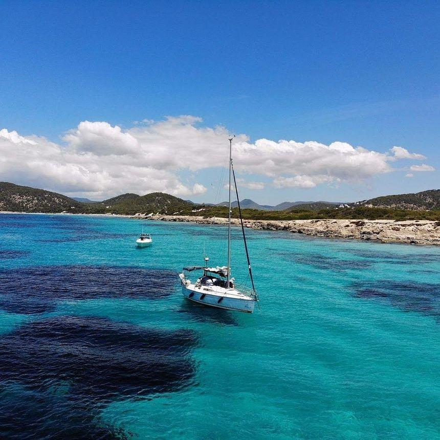 Sailboat-Jeanneau-sun-odyssey-29-Ibiza (6)