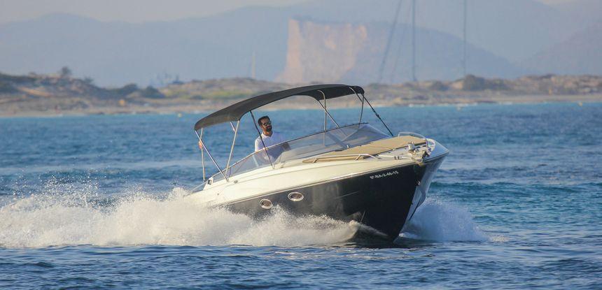 Sunseeker-Mohawk-29-Rent-Boat-Ibiza